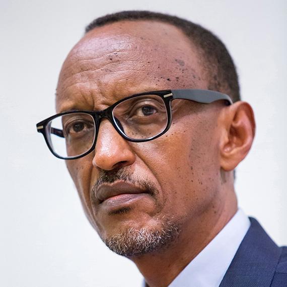 CE SOIR SUR TV5MONDE INTERVIEW EXCLUSIVE DE PAUL KAGAME Président de la République du Rwanda Vendredi 12 octobre à 18h45 - TV5MONDE